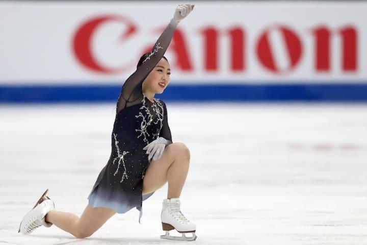 四大陸選手権フリーの演技後ガッツポーズをする紀平梨花選手