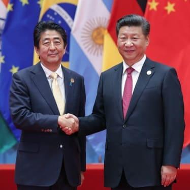 李氏朝鮮王朝の末裔・安倍晋三は重要な場面で「李花紋」と同じ黄色いネクタイを着用